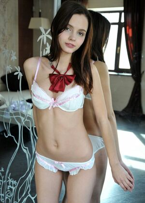 teens lingerie gallery