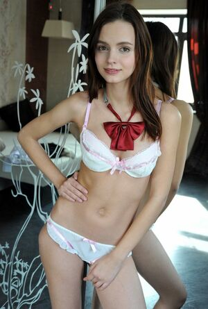 teen girl lingerie
